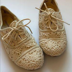 Xhilaration lace crochet oxfords